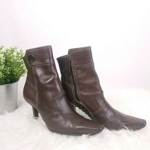 Tods Leather Heeled Booties